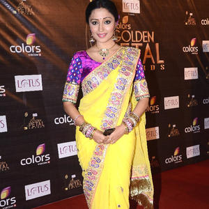 Pallavi Cute Look Photo At The Colors Golden Petal Awards 2012