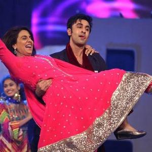 Rabir Lift His Mother Nitu Singh On Stage At 19th Annual Colors Screen Awards