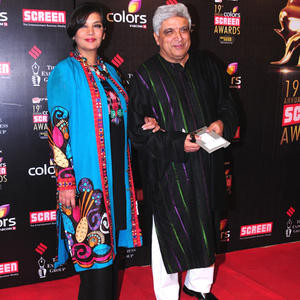 Shabana With Hubby Javed In Red Carpet At 19th Annual Colors Screen Awards 2013