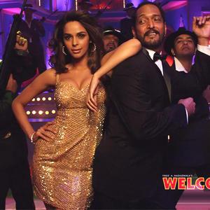 Nana Patekar And Mallika Sherawat Dancing Still From Welcome Movie