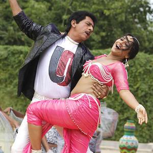 Naseeruddin And Vidya Dancing Still In Ooh La La Song From Dirty ...
