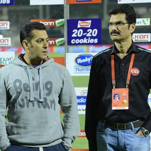 Salman Khan Spotted At Telugu Warriors And Mumbai Heroes Match
