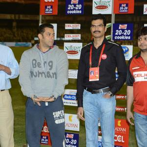Salman With Official Members Photo Clicked At Telugu Warriors And Mumbai Heroes Match