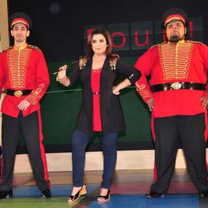 Farah Khan Strikes A Pose At Sony MAX IPL Press Conference 2013