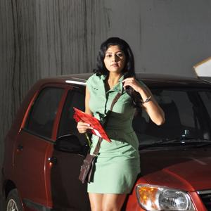 Shona Chabra Sizzling Look In Short Dress From Parking Movie