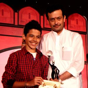 Darsheel Safary Posed With Awards At The 4th NBC Awards 2013