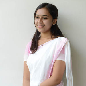 Sri Divya Smiling Pose At Mallela Theeramlo Sirimallepuvvu Audio Success Meet Event