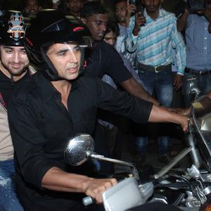 Akshay and Imran On A Bike At Mumbai Airport,After Their Arrival From Dubai Promotion Of The Movie