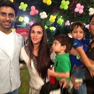 Abhishek Bachchan And Tara Sharma With Her Kids Posed At Aaradhya Bachchan's Birthday Bash