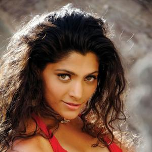 Saiyami Kher Spicy And Romantic Look Photo Shoot In Ray