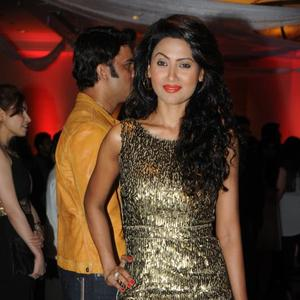 Nigaar Khan Dazzling Look At Rohit Verma Marigold Watches Fashion Show 2013