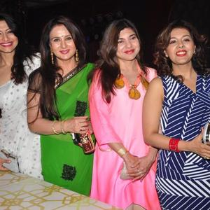Poonam Dhillon,Alka Yagnik And Others Posed At Rohit Verma Fashion Show For Marigold Watches 2013