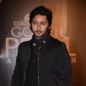 Kunal Karan Kapoor Handsome Look At Colors TV 3rd Golden Petal Awards 2013