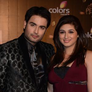 Vivian Dsena With Wife Vahbbiz Dorabjee Smiling Pose Colors TV 3rd Golden Petal Awards 2013