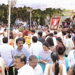 Celebs And Reletives Gather For Veteran Actor Akkineni Nagesh Rao Funeral