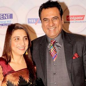 Boman Irani With Wife Zenobia Irani Smiling Pose Photo Still