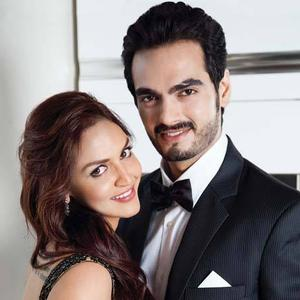 Esha Deol With Hubby Bharat Takhtani Nice Pose Photo Still