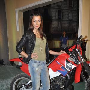Mugdha Godse Hot Look Pose At The Launch Of Fear Factor – Khatron Ke Khiladi Season 5