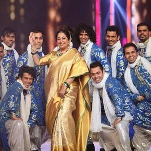 Kirron Kher Performs On Tune Maari Entriyaan Song At IGT Grand Finale