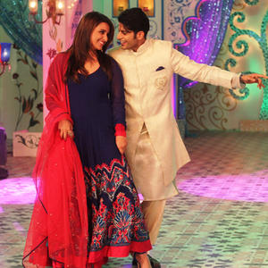 Parineeti And Karanvir Shake Their Legs On The Sets Of Daawat-E-Eid Special Show