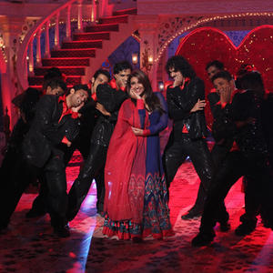 Parineeti Chopra Dances On The Sets Of Zee Tvs Dawaat-E-Eid