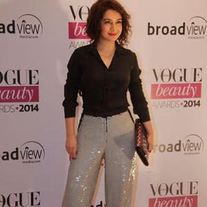 Tisca Chopra Flashy Look For Camera During Vogue Beauty Awards 2014