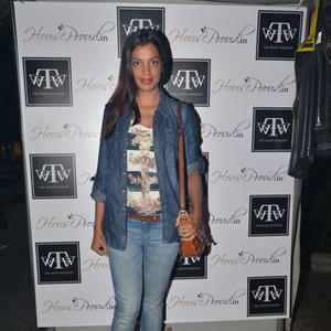 Mugdha Godse Posed During The Launch Of Sanvari And Anjori Alagh Houseproud Store
