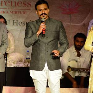 Vivek Oberoi Spoke Few Words At Maheka Mirpuris Show For Cancer Cause