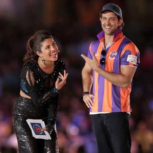 Priyanka Chopra Cool With Hrithik Roshan On The Stage During The Opening Ceremony Of ISL Football Match 2014
