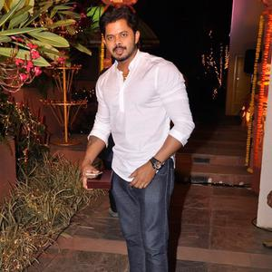 S. Sreesanth Cool Pose During Sachiin J Joshi And Urvashi Sharma Diwali Bash