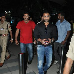 Sachiin J Joshi Cool Look Snapped At Mumbai International Airport