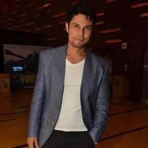 Randeep Hooda Cool Casual Look At The Screening Of Rang Rasiya