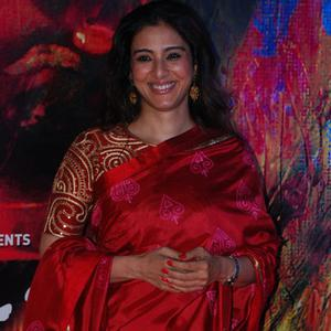 Tabu Looked Striking In Her Flaming Red Saree During The Premiere Of Rang Rasiya