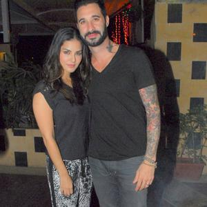 Sunny Leone Posed With Hubby Daniel Weber During The Birthday Bash Of Designer Rohit Verma