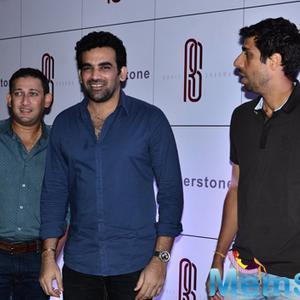 Ajit Agarkar,Zaheer Khan And Ashish Nehra Cool Look During Rohit Sharma Bash
