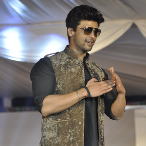 Kushal Tandon Strikes A Pose At The Global Peace Initiative 2014