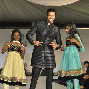 Rajneesh Duggal Cool With Kids On Ramp At The Global Peace Initiative 2014