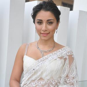Amrita Puri Unveiled EVARA Platinum Bridal Collection