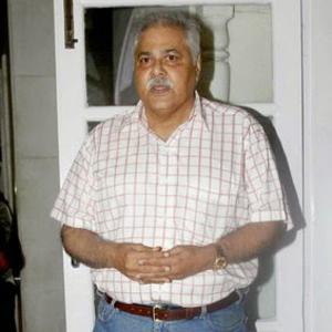 Satish Shah Posed During Anup Jalotas Wife Medha Jalota Prayer Meet