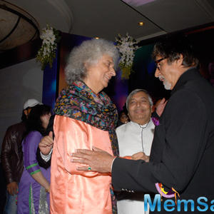 Indian Santoor Player Shivkumar Sharma And Amitabh Bachchan Cool Gossip During The 2nd Yash Chopra Memorial Award