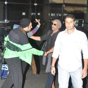 Akshay Kumar And Family Looked Rejuvenated After Returning From The Trip