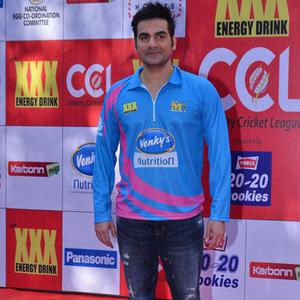 Arbaaz Khan Posed For Camera On The Red Capret At CCL Red Carpet 2015