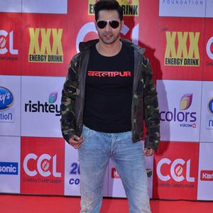 Varun Dhawan Handsome Look At CCL Red Carpet 2015