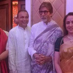 Subhash Ghai,Mukesh Ambani,Amitabh Bachchan And Hema Malini Clicked During Sonakshi Sinha Brother Wedding Ceremony