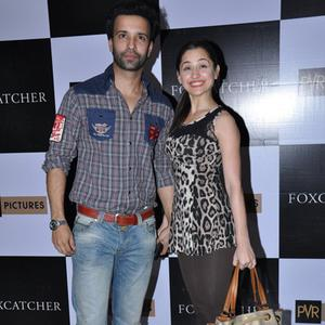 Aamir Ali And Wife Sanjeeda Sheikh Posed At The Screening Of Hollywood Flick Foxcatcher