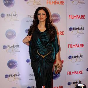Tabu Seen In A Green Gown At The Ciroc Filmfare Glamour And Style Awards 2015