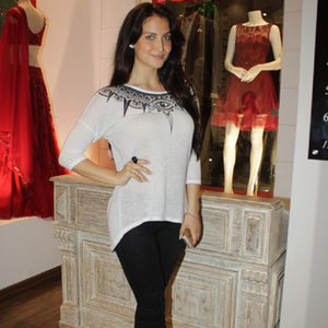 Elli Avram Beautiful Look During The Launch Of Avinash Punjabi Store