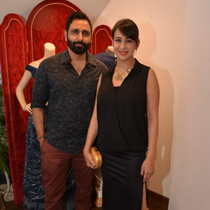Parvin Dabas Posed With Wife Preeti Jhangiani At The Launch Of Avinash Punjabi Store
