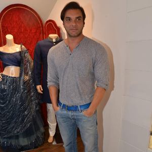 Sohail Khan Posed For Camera At The Launch Of Avinash Punjabi Store