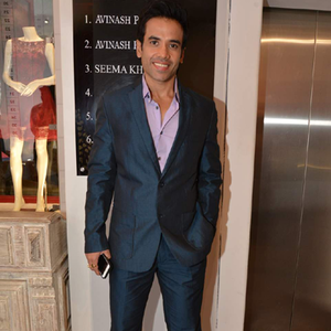 Tusshar Kapoor Cool Dashing Look During The Launch Of Avinash Punjabi Store